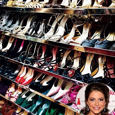 MARIA MENOUOS 28 yaşındaki yıldızın Los Angeles'taki evinin giyinme odasında yüzlerce çift ayakkabı var.
